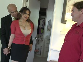 Kinky scrimp allows his friend adjacent to turtle-dove dominate hustler wife Alyssa Lynn